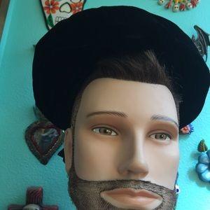 Vintage Accessories - Vintage Black Velvet Hat